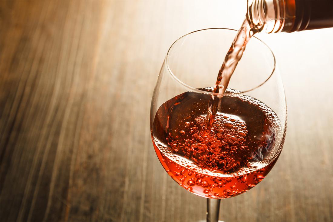 Investir dans le vin pour un placement pérenne